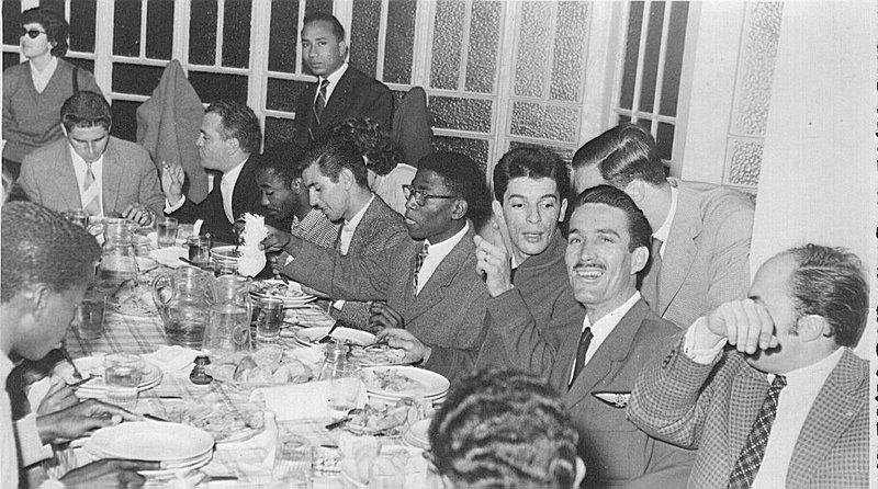 02-1959-casa-dos-estudantes-1